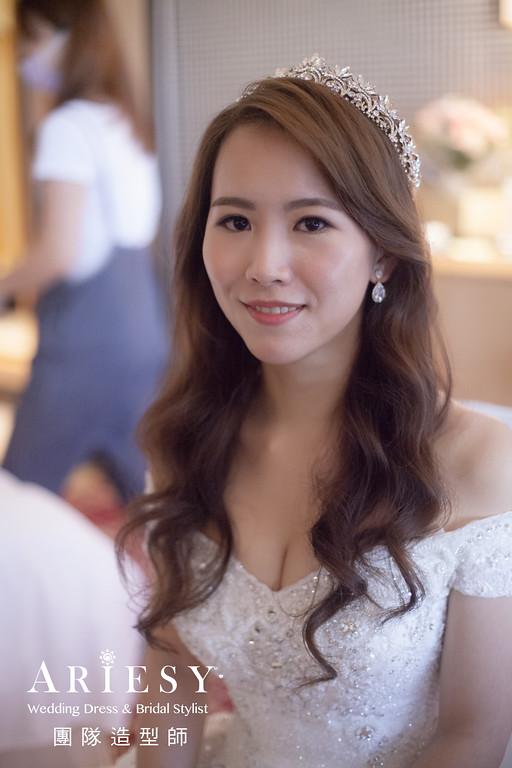 白紗進場髮型,放髮造型,新秘,皇冠造型,名媛新娘