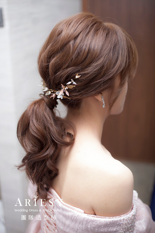 台北新祕,新秘推薦,新娘秘書,新娘造型,蓬鬆編髮,馬尾造型,自然清透妝感,新娘髮型