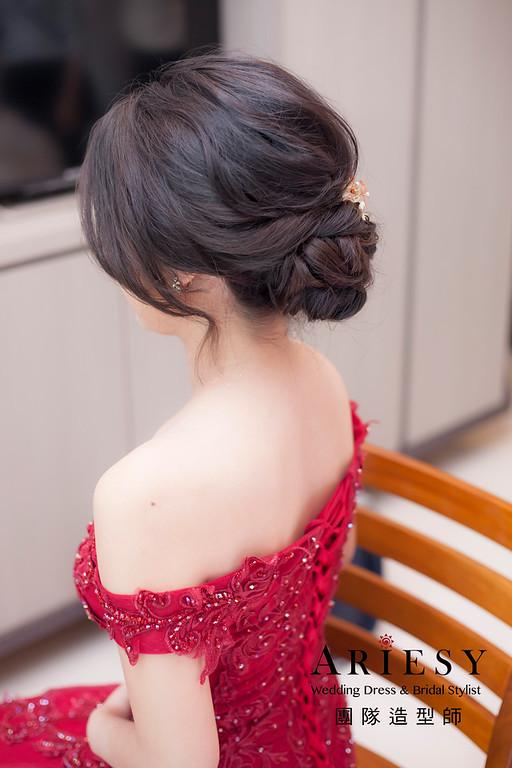 台北新祕,新娘秘書,新娘造型,蓬鬆編髮,文定造型,自然清透妝感,新娘髮型,盤髮造型,推薦新秘