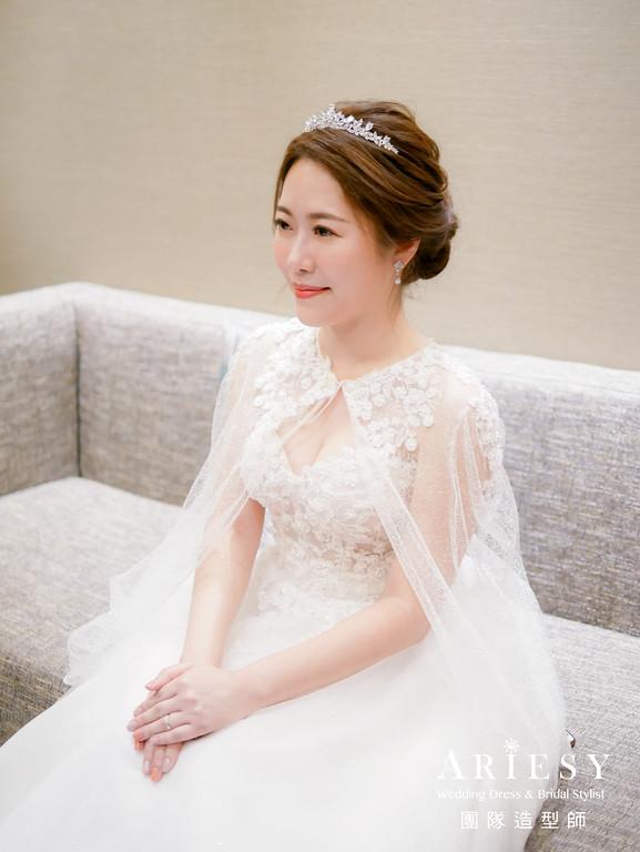 進場造型,蓬鬆編髮造型,新娘髮型,自然妝感,皇冠造型
