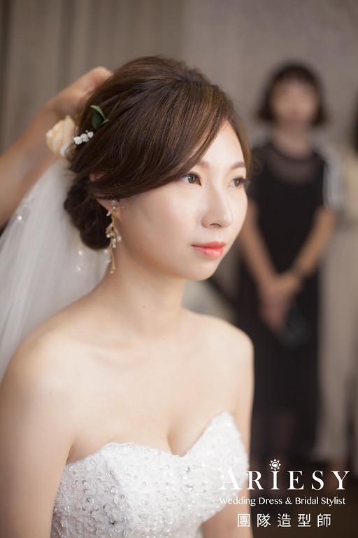 白紗進場髮型,新娘鮮花造型,歐美風格,新秘花藝,新娘秘書