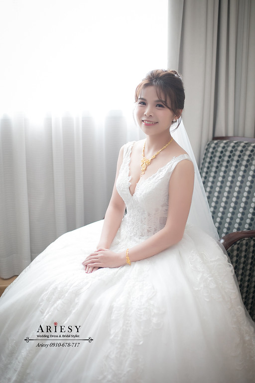 ARIESY新秘,愛瑞思新娘秘書,自然立體修容光澤肌,白紗新娘造型,新娘捧花