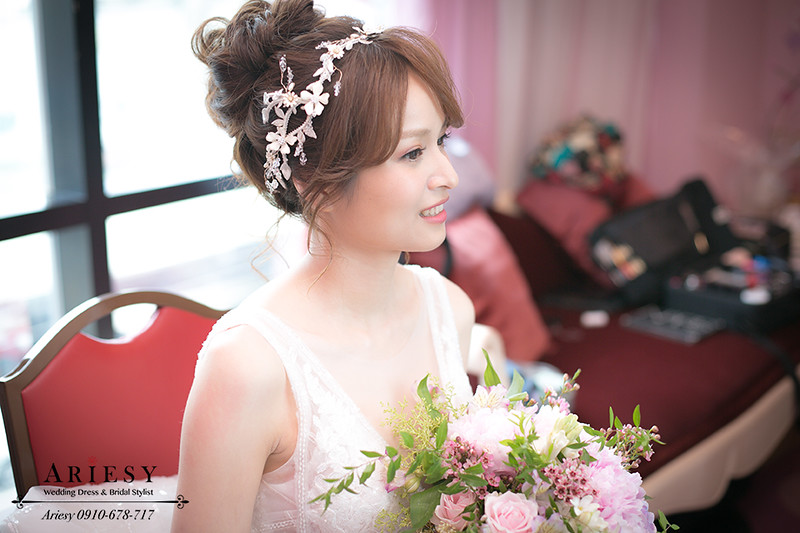 ariesy,台北新秘,新娘秘書,白紗造型,歐美風牡丹捧花,自然輕透妝感