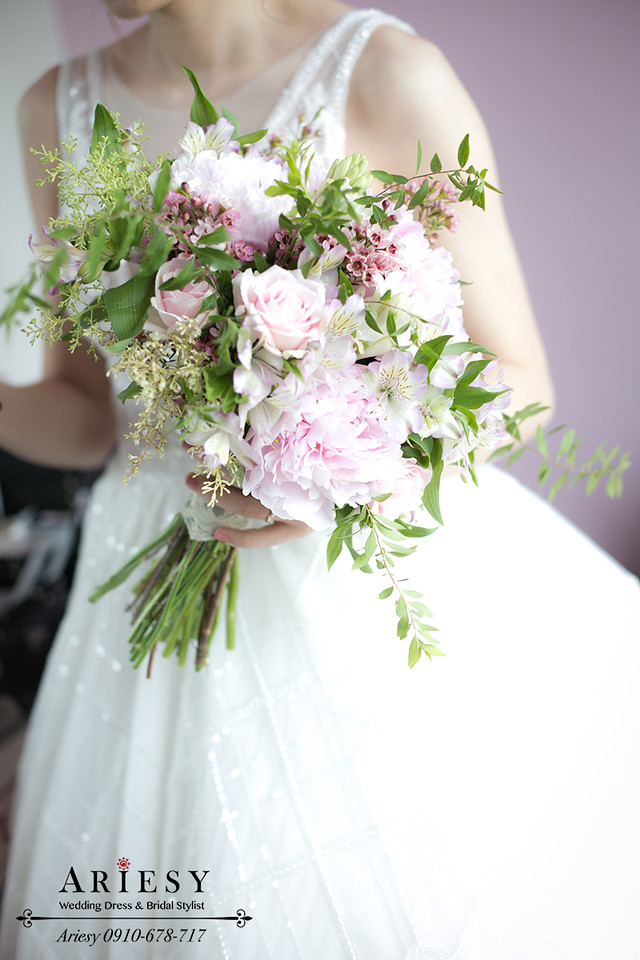 ariesy,台北新秘,新娘捧花,歐美風牡丹捧花,自然輕透妝感