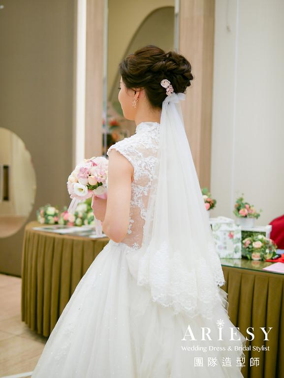白紗進場髮型,新娘編髮造型,新秘花藝,鮮花造型,新娘秘書