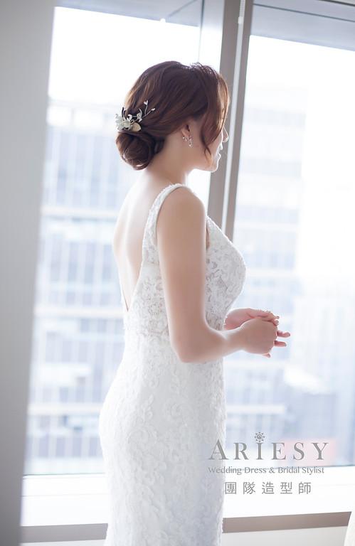 台北新祕,新娘秘書,新娘造型,編髮造型,白紗造型,自然清透妝感,新娘髮型,低盤髮造型,推薦新秘