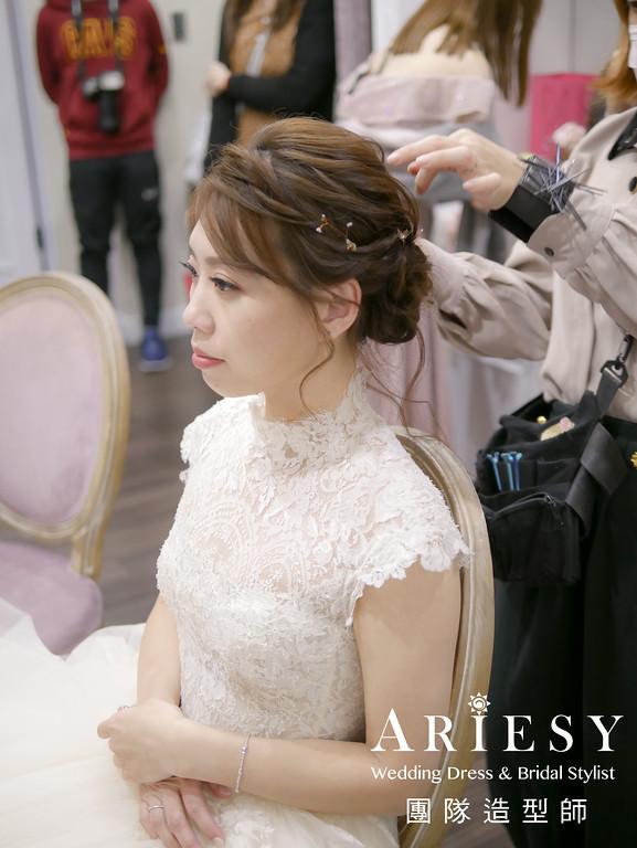 白紗進場髮型,蓬鬆盤髮,白紗造型,新秘手作飾品,新娘髮型