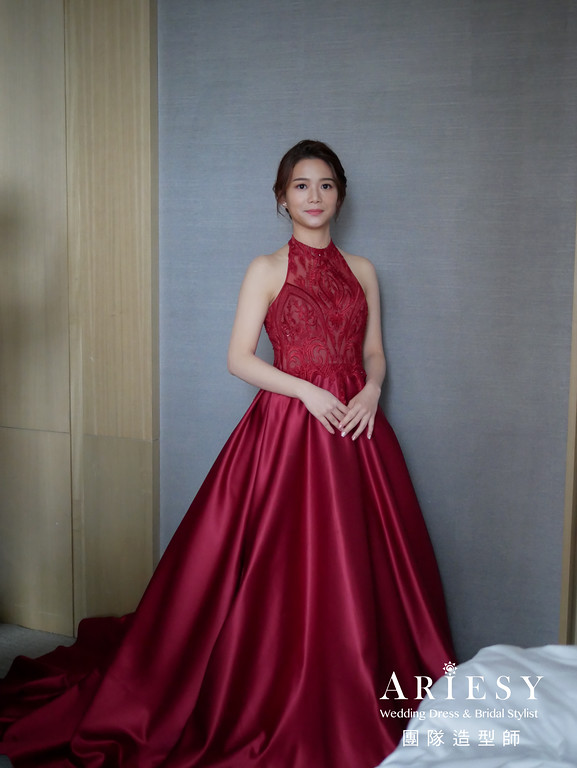 文定髮型,紅色禮服造型,精緻新娘妝,新秘推薦,新娘編髮