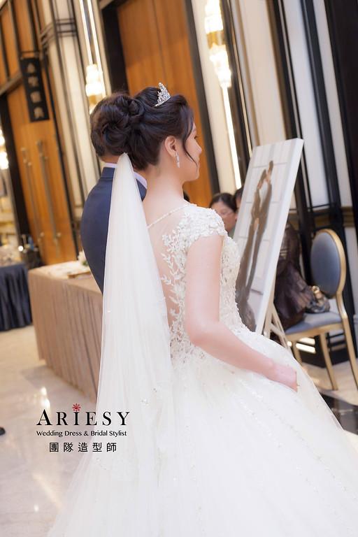 桃園新祕,新娘秘書,新娘造型,蓬鬆編髮,白紗造型,婚宴造型,皇家薇庭婚宴,皇冠造型