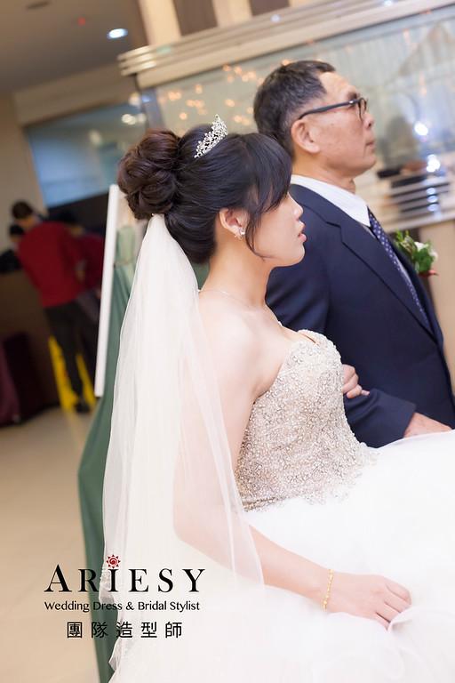 台北新祕,新娘秘書,新娘造型,編髮造型,白紗造型,自然清透妝感,新娘髮型,盤髮造型,黑髮新娘