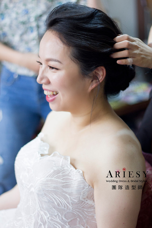 新秘,白紗造型,盤髮造型,新娘妝感,黑髮新娘造型