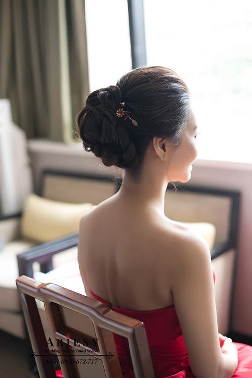 紅色禮服造型,新竹新娘秘書,黑髮新娘,愛瑞思,ARIESY,名媛時尚新娘