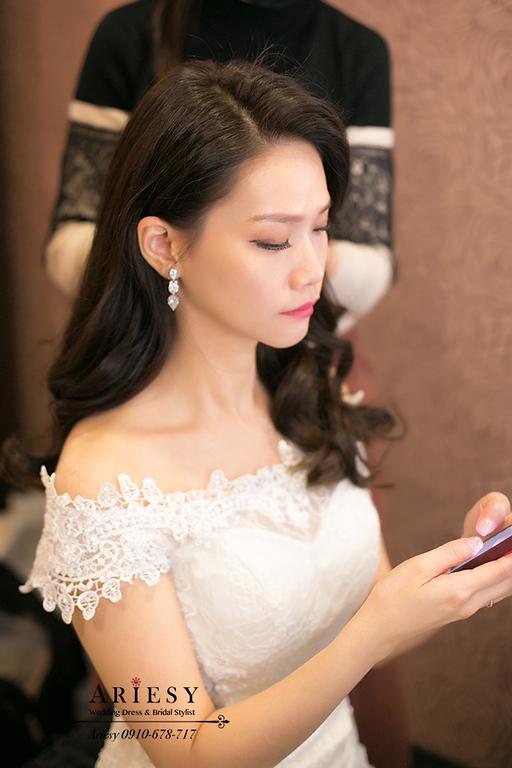 新竹新娘秘書,黑髮新娘,愛瑞思,ARIESY,名媛時尚新娘,新娘造型,莓果色紅脣