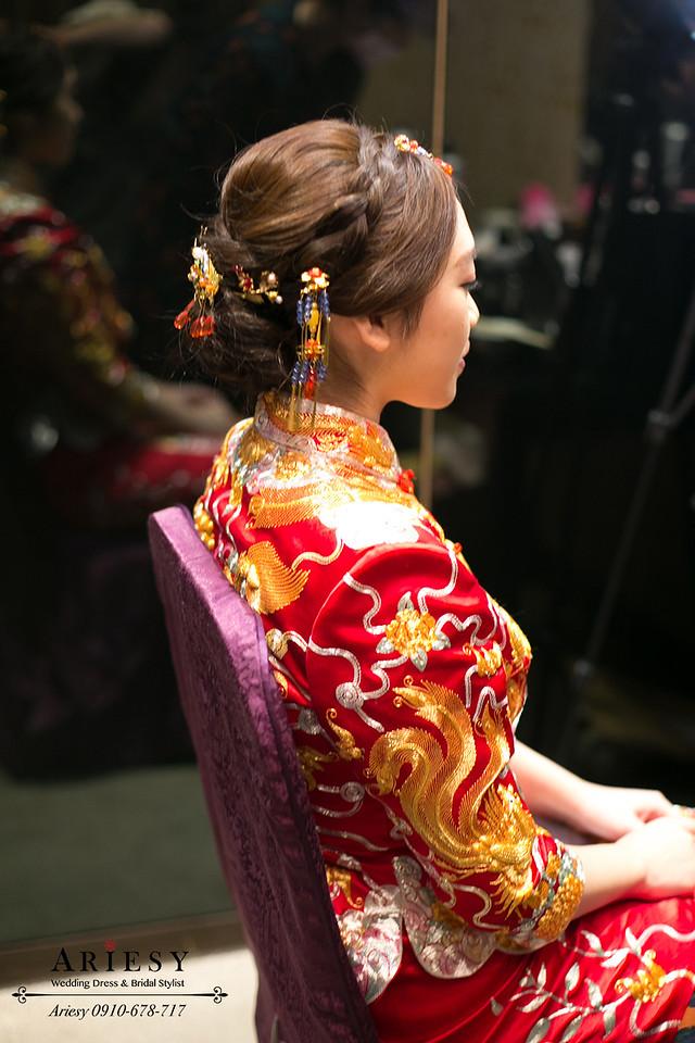 新娘秘書,台北新秘,歐美捧花,龍鳳掛造型,新娘髮型,Ariesy新娘秘書
