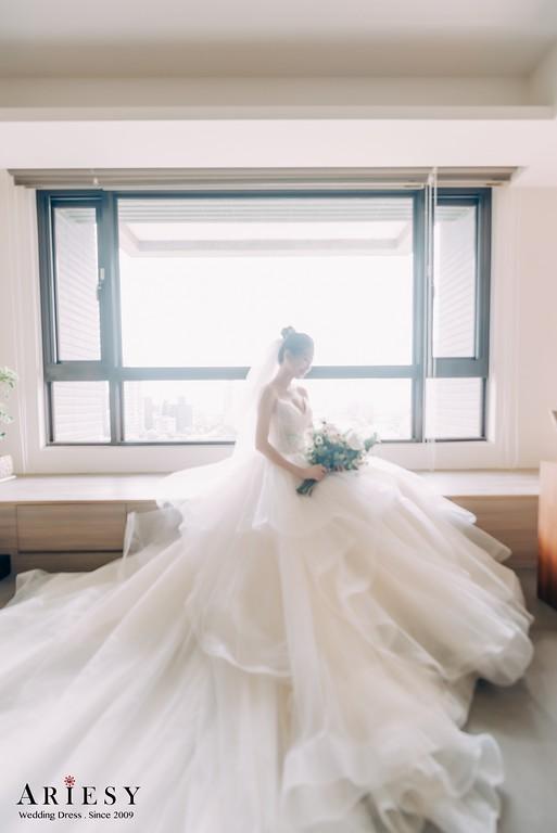 ARIESY手工婚紗,婚攝大嘴,愛瑞思新娘秘書團隊,新莊攝影工作室,吊帶芭蕾澎裙白紗,紅色緞面開岔晚宴服,淡紫色晚宴服