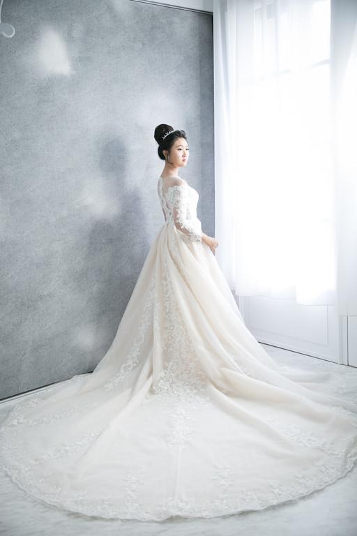 禮服出租,婚紗禮服工作室,新莊自助婚紗,手工婚紗,宮廷風香檳色魚尾aline白紗