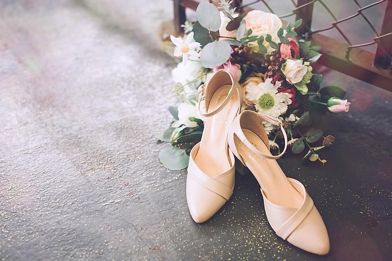 禮服出租,婚紗禮服工作室,新莊自助婚紗,手工婚紗,婚紗包套,魚尾晚禮服,亮片布晚禮服
