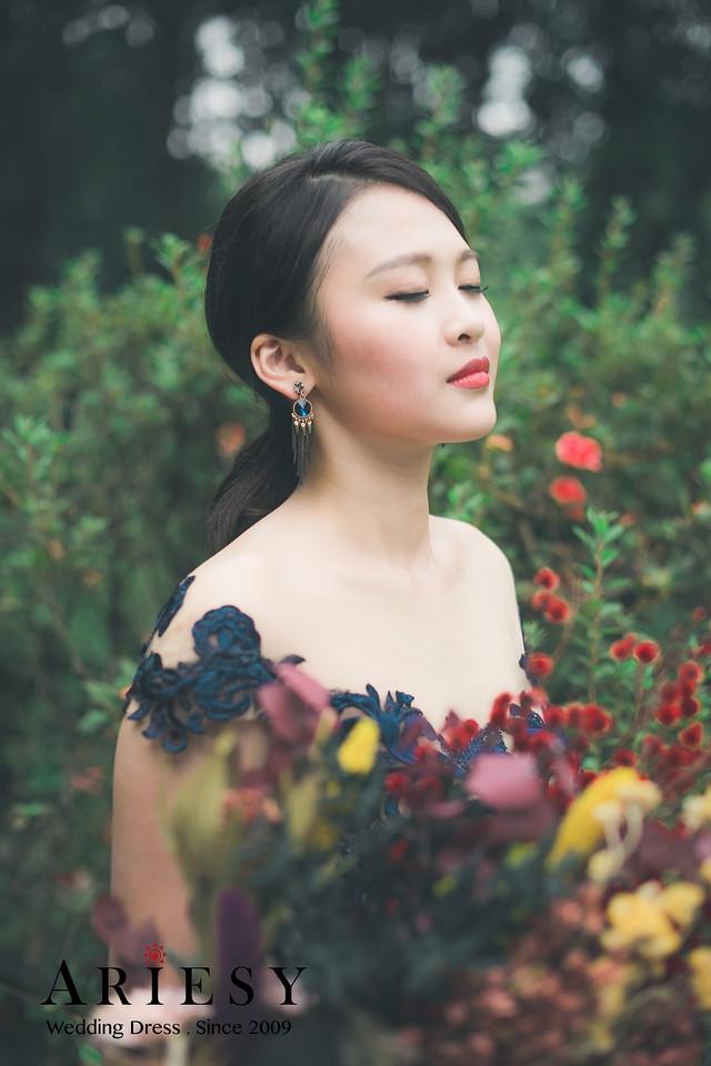 緞面晚禮服,深藍色晚禮服,愛瑞思婚紗,陽明山婚紗,歐美乾燥花捧花