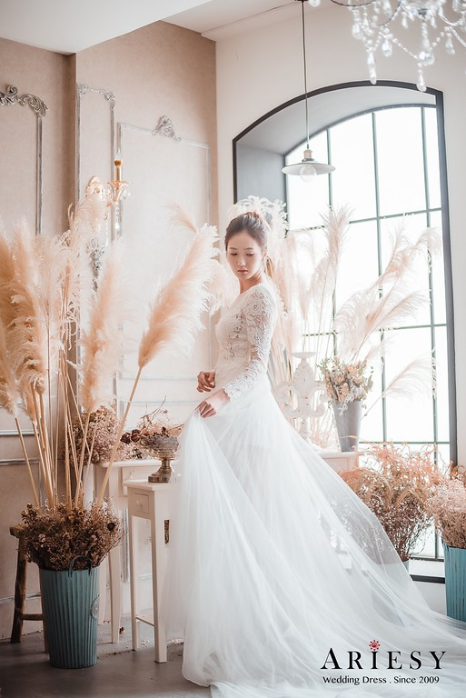 禮服出租,婚紗禮服工作室,新莊自助婚紗,手工婚紗,婚紗包套,長袖蕾絲透膚白紗