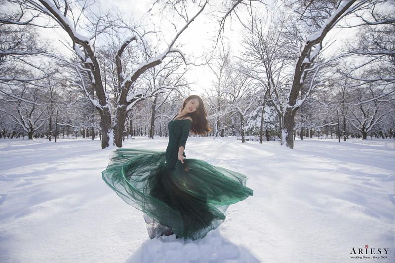 禮服出租,婚紗禮服工作室,新莊自助婚紗,手工婚紗,婚紗包套,長袖蕾絲綠色禮服,透膚美背晚禮服