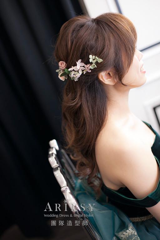 桃園新祕,新娘秘書,新娘造型,自然清透妝感,新娘髮型,蓬鬆編髮,新秘,花藝飾品
