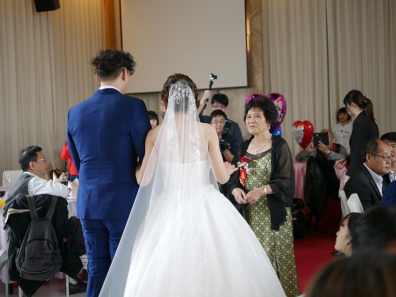 歐美新秘,韓國長頭紗造型,混血兒妝感,台北新秘,新娘秘書,新秘