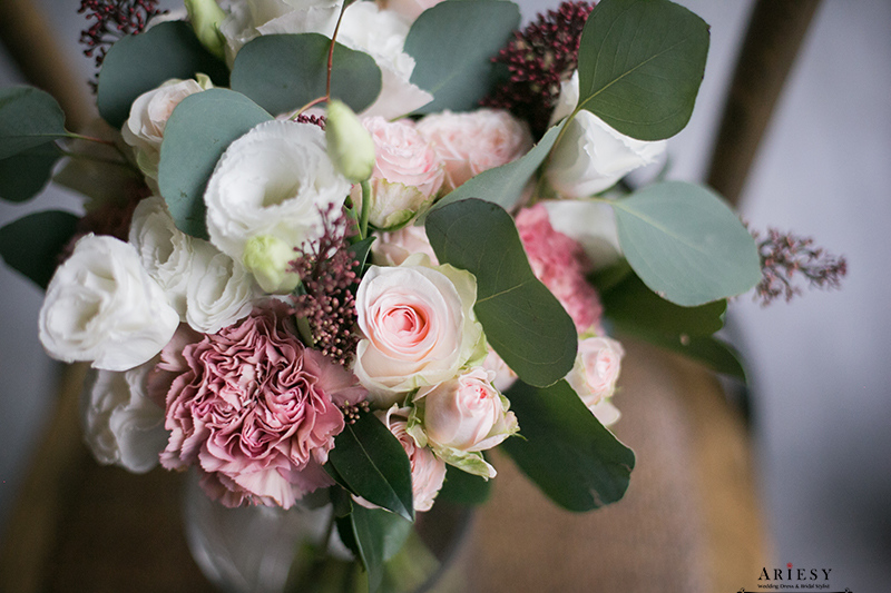 Bouquet of flowers,愛瑞思,新娘秘書美式手作捧花,莫蘭迪色歐美風捧花,Bridal bouquet