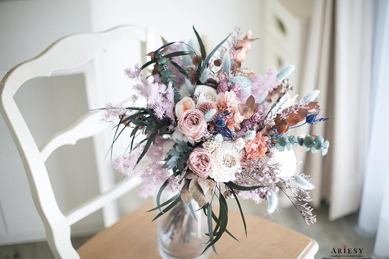 Bouquet of flowers,愛瑞思,新娘秘書美式手作捧花,永生花不凋花,莫蘭迪色歐美風捧花,Bridal bouquet