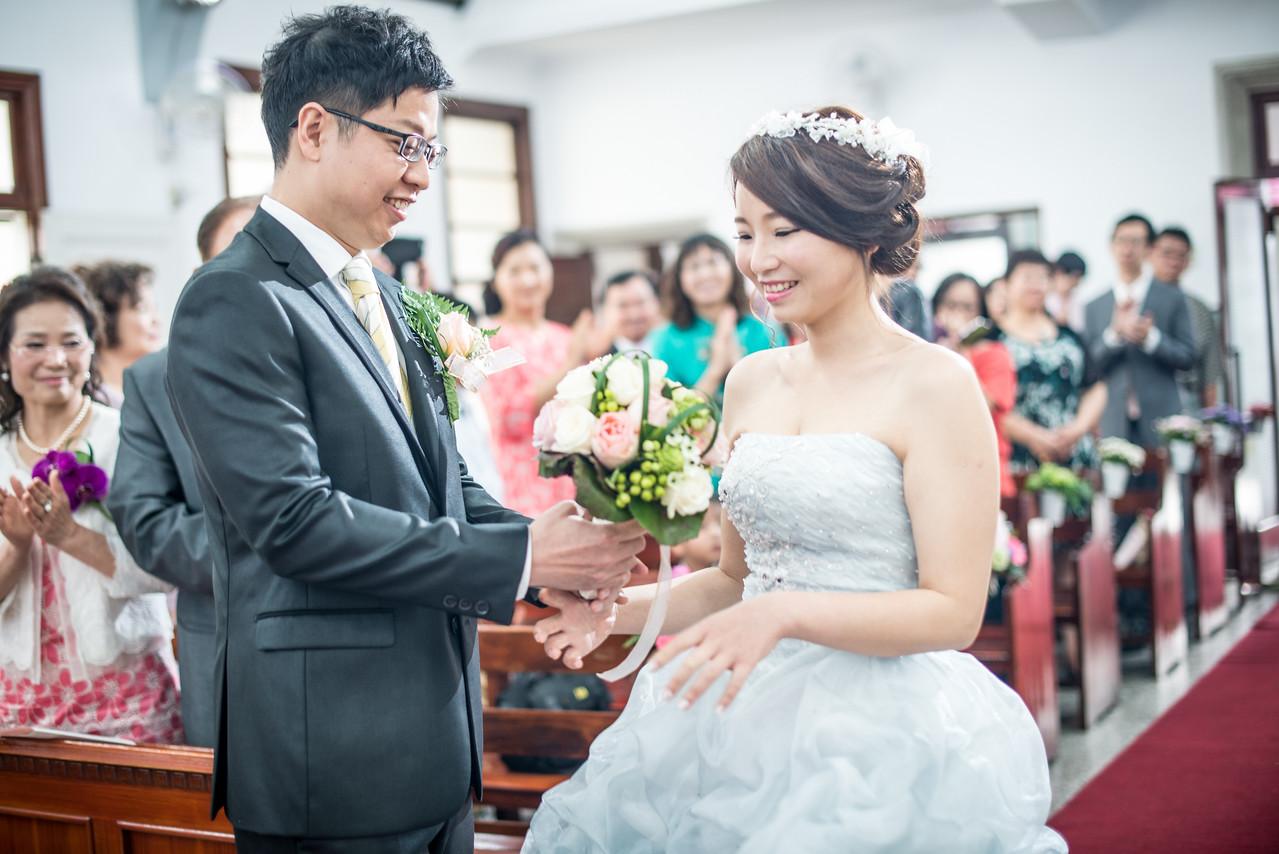 《彰化婚攝》感謝神應允的幸福 / 台灣基督長老教會溪湖教會