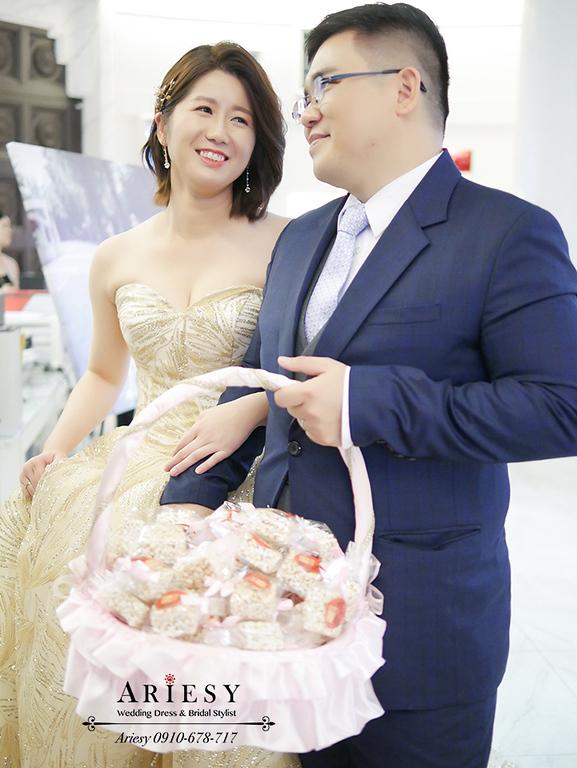 新娘秘書,新秘,台北新秘,短髮新娘,金色禮服,愛瑞思