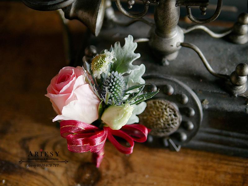 美式婚禮胸花,父母胸花,主婚人胸花,粉紅色胸花,玫瑰胸花,愛瑞思