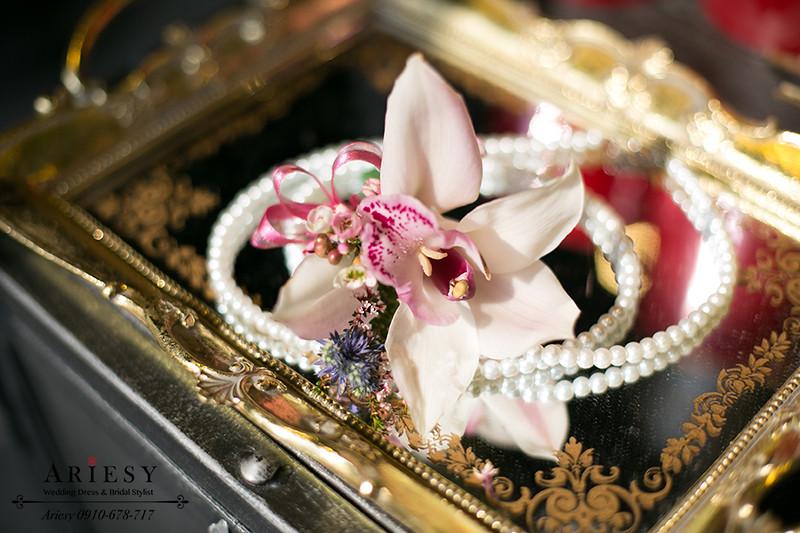 粉色主婚人胸花,歐美風,愛瑞思鮮花新秘