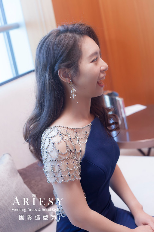 台北新祕,新娘秘書,新娘造型,新娘編髮,放髮造型,自然清透妝感,新娘髮型,送客造型,推薦新秘