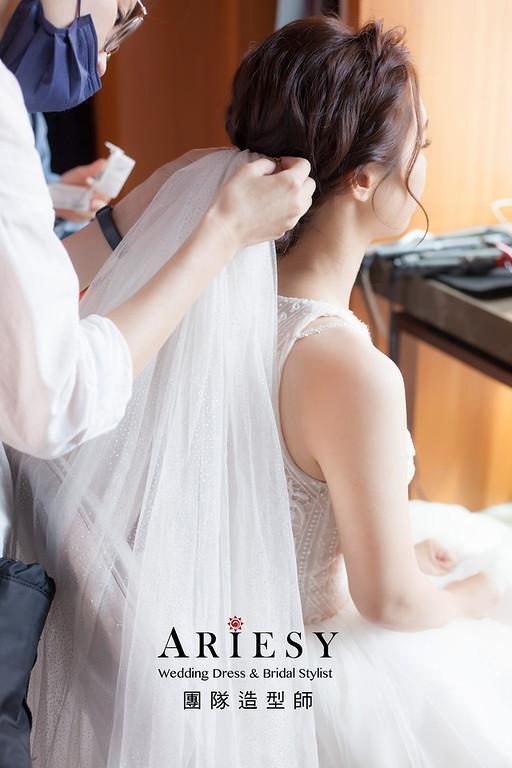 台北新祕,新娘秘書,新娘造型,新娘編髮,白紗造型,自然清透妝感,新娘髮型,教會儀式,推薦新秘