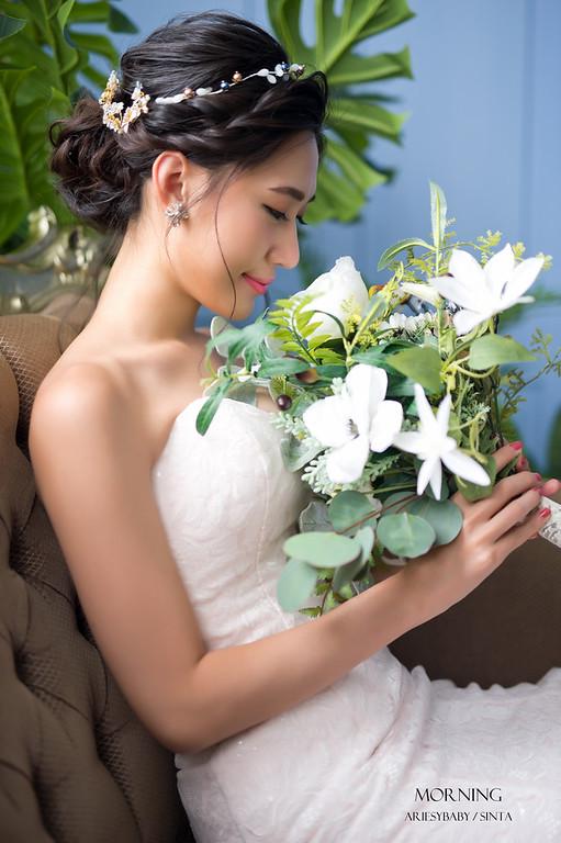 Ariesybaby造型團隊,婚攝莫妮,ARIESY愛瑞思品牌訂製手工婚紗,蓬鬆編髮,新娘造型