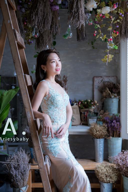 新娘秘書,Ariesybaby造型團隊,甜美新娘造型,蓬鬆編髮,晚禮服造型