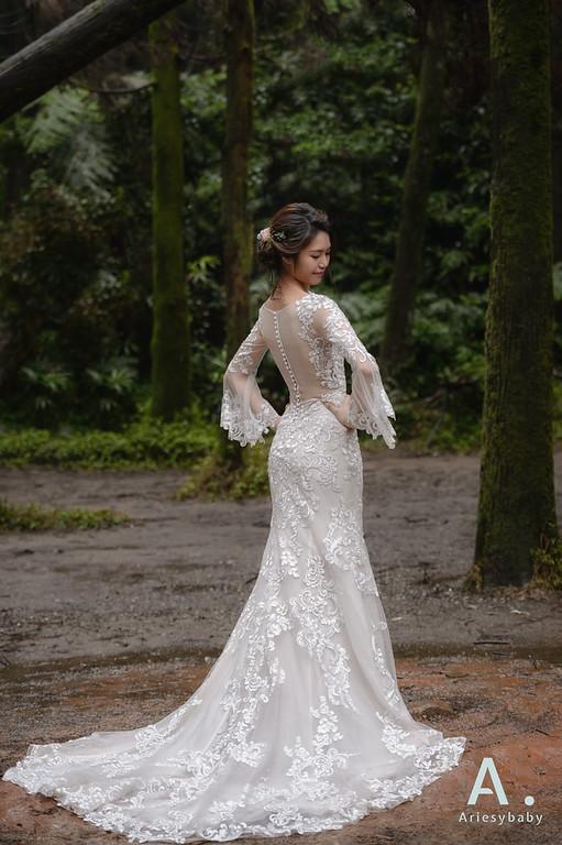 新娘造型,新娘捧花,白紗造型,蓬鬆編髮造型,鮮花花藝飾品
