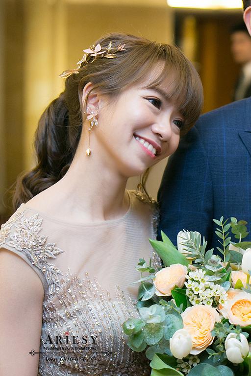 金色禮服馬尾造型,新娘髮型,新娘秘書愛瑞思,ARIESY新秘,魚尾金色禮服造型,新娘頭飾