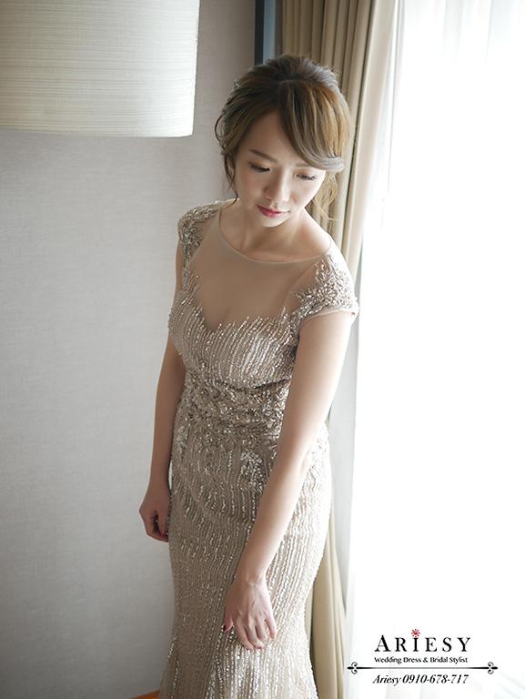 新娘盤髮,新娘秘書愛瑞思,ARIESY新秘,歐美風新娘髮型,金色文定禮服,台北新秘