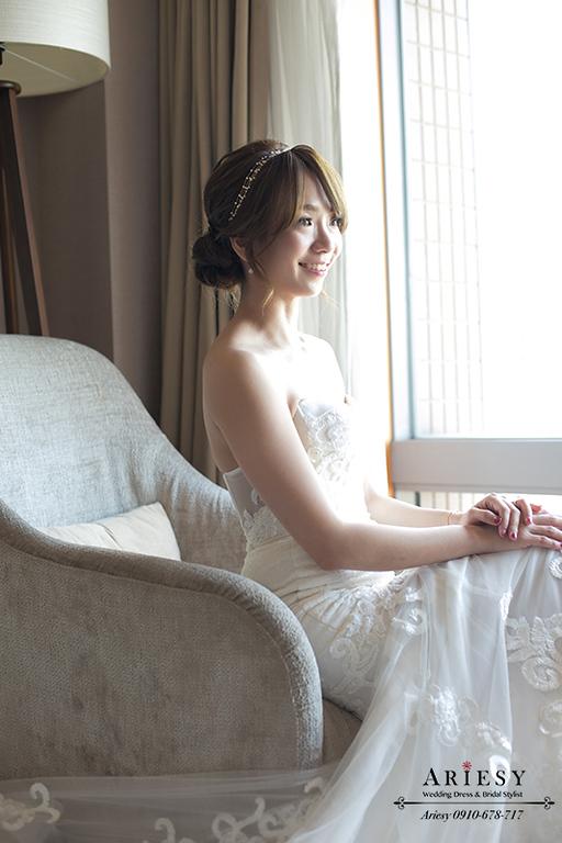 歐美新娘盤髮,bridestylist,台北新秘,新娘秘書愛瑞思,ARIESY新秘,魚尾白紗造型,新娘捧花