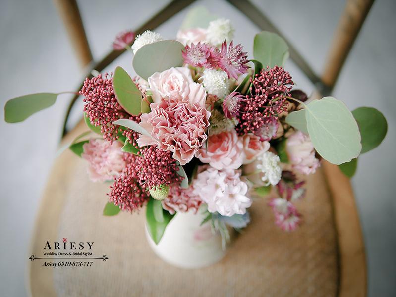 送客小捧花,美式婚禮捧花,BOUQUET,甜美捧花,粉色紅色繽紛捧花,ariesy愛瑞思