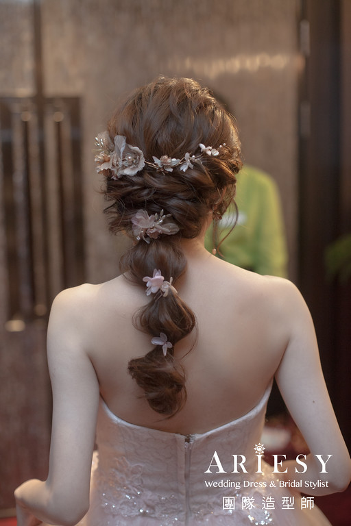 蓬鬆線條新娘造型,愛瑞思,giny,台北新秘,新娘秘書,新秘推薦