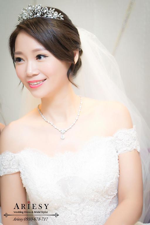 新娘髮型,自然輕透妝感,黑髮新娘秘書,韓風新娘造型,鮮花編髮
