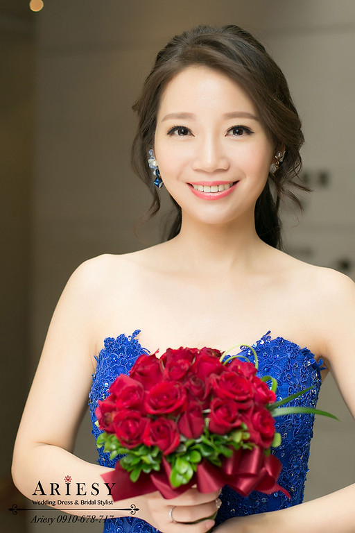 新娘髮型,自然輕透妝感,韓系新娘秘書,黑髮新娘造型,鮮花編髮