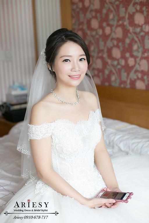 黑髮新娘髮型,自然輕透妝感,韓風新娘秘書,韓風新娘造型,鮮花編髮