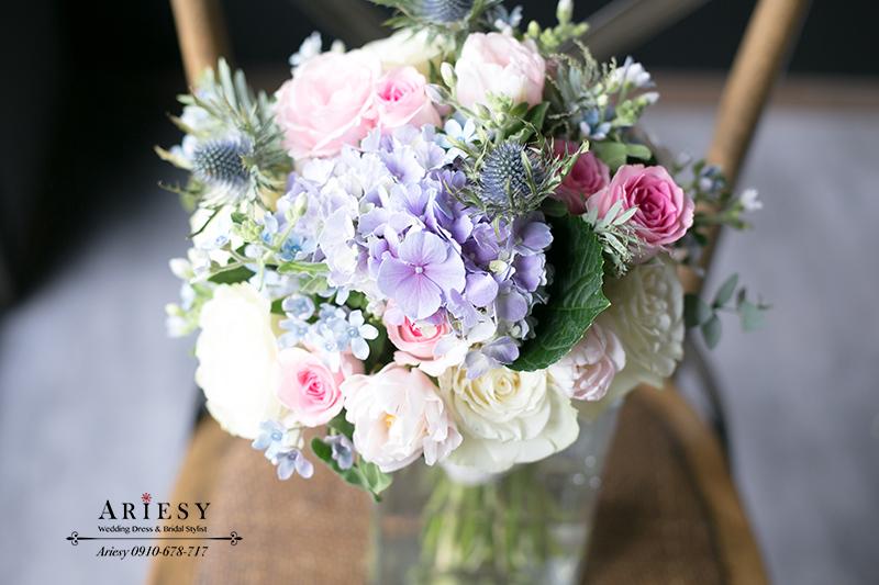 新娘捧花,粉紅色捧花,繽紛捧花,鮮花新秘,粉紫藍捧花