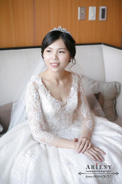 新娘秘書,新秘,編髮皇冠新娘造型,mega50婚宴會館,愛瑞思,AREISY,黑髮新娘