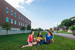 16541-Students on campus-5958