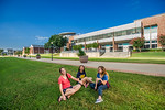 16541-Students on campus-5980