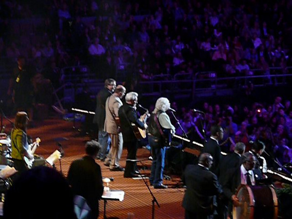 """Pete Seeger's 90th Birthday Concert at Madison Square Garden, NYC.  John Hall, Arlo Guthrie and friends sing, """"Oh Mary Don't You Weep"""" for Pete."""